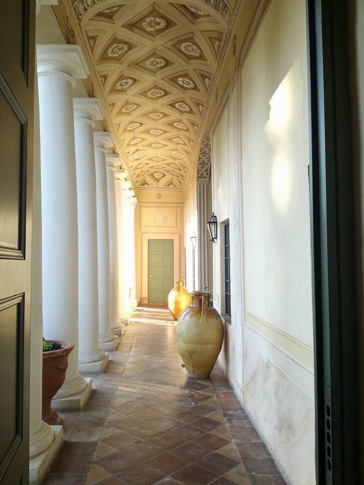 Villa_Larbel_loggiato